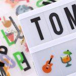 Boîte Cinématique Lumineuse Format A4 avec 208 Lettres Smileys et Symboles, 85 Émoticônes, Taille led lightbox pour le Mariage, la Maison, Photoshoots,CFête et Anniversaire de la marque S-TRUMPER image 1 produit