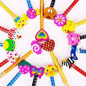 Crayons kids de bois, KimKo 30 x crayons enfants de dureté de HB avec caoutchoucs pour dessin animés pour les fêtes de fin d'année, les sacs de fête, le cadeau d'anniversaire parfait pour Noël de la marque KimKo image 0 produit