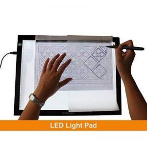 GAOMON B4 Taille LED Table Lumineuse 5 MM Ultramince Tablette Dessin Lumineuse Pad USB Art Dessin pour l'Esquisse et Copie de la marque GAOMON image 0 produit