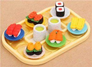 Gommes à effacer en forme de sushi sur un plateau repas par Iwako Japon de la marque Iwako image 0 produit